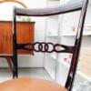 Particolare sedie in legno laccato lucido