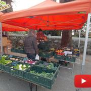 La Si Può Fare Terra al Mercato locale di Rebbio